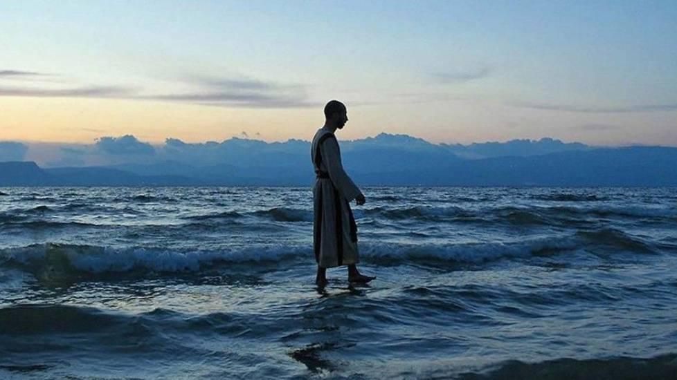 Kinh ngạc Ảo thuật ''Thủy thượng phiêu'' (đi bộ trên nước)