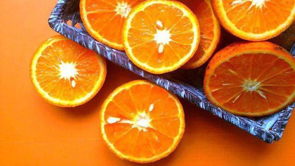 Uống nước cam theo phong cách quý tộc