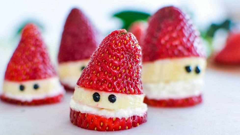 Tự làm ông già tuyết đón giáng sinh từ trái cây
