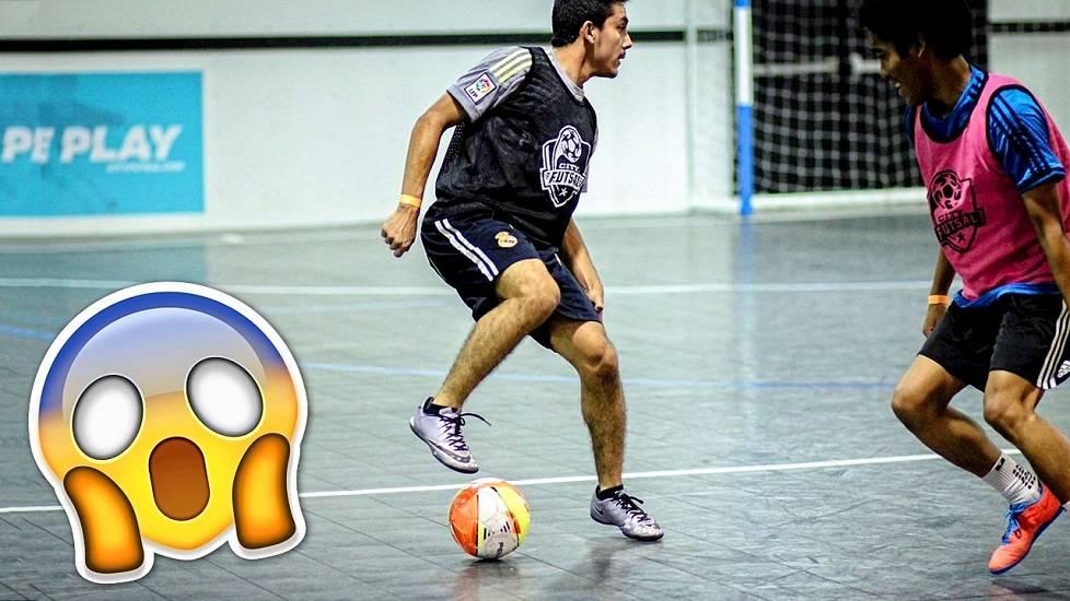 Cầu thủ 'quên' mất bóng khiến đội nhà thua đau!