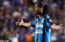 Ronaldinho ra mắt CLB mới trong ê chề
