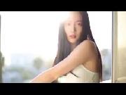'Bom tấn gợi cảm' xứ Hàn khoe vẻ đẹp mộc và giọng hát siêu cá tính