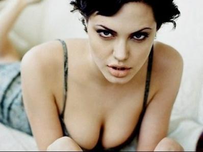 Angelina Jolie - Kẻ thứ 3 nổi tiếng với trái tim cuồng si