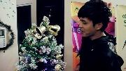 Ghé thăm căn phòng rực rỡ màu Noel của Hồ Quang Hiếu