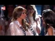 Khi Hoa hậu Hoàn vũ cũng bị 'mổ xẻ' về sắc đẹp