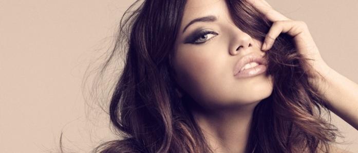 Những khoảnh khắc quyến rũ nhất của siêu mẫu Adriana Lima