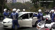 Bất ngờ cách CSGT Nhật xử lý tài xế không chịu xuống xe