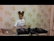 Không Phải Dạng Vừa Đâu - DJ Oxy