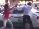 Va chạm với taxi, 3 'kiều nữ' đập vỡ đầu tài xế ở Hà Nội