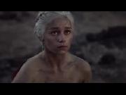 Daenerys Targaryen - Mẹ Rồng vĩ đại và xinh đẹp nhất!