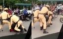 Bốn CSGT cưỡng chế thanh niên mang ma túy tại Hà Nội