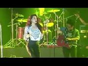 Hà Hồ rơi lệ cũng đầy quyến rũ trong live concert 2014