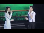 Thuỷ Tiên diện áo dài trắng hát ngọt lịm cùng Noo Phước Thịnh