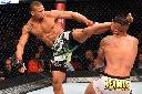 UFC: 29 giây, 1 cú đá làm đối thủ bất tỉnh