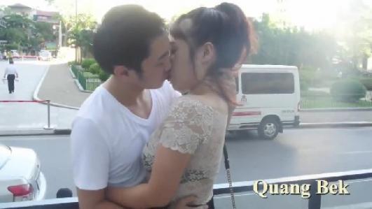 Bí kíp 'khóa môi' gái xinh trên phố