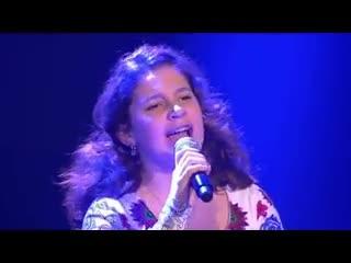 Cô bé hát opera cao vút khiến giám khảo rơi nước mắt