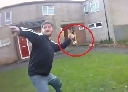 Cầm dao dài 20cm điên cuồng tấn công cảnh sát