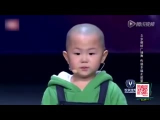 Cậu bé 3 tuổi hút triệu view vì màn trình diễn có ''một không hai''