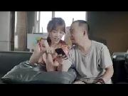 Hari -Won tung clip kỉ niệm ngày yêu nhau khiến dân FA ghen tị