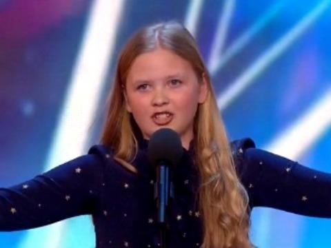 Bất ngờ trước giọng hát khoẻ khoắn của cô bé 12 tuổi ở Britain's Got Talent