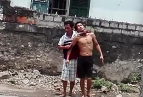 Cận cảnh vụ kề dao bắt cóc con tin ở Nghệ An