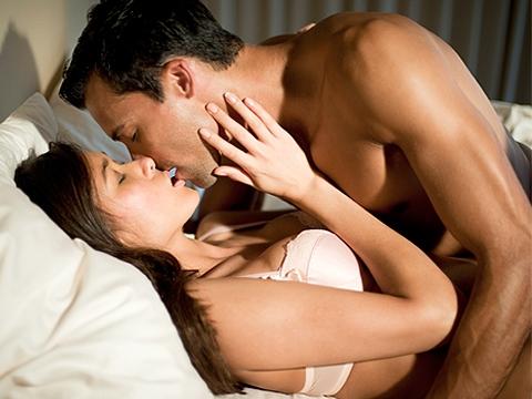 Điều gì làm bạn gái thích thú khi ở trên giường