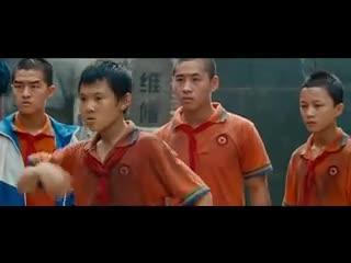 Thành Long 'dạy bảo' đám thiếu niên giỏi võ ngỗ nghịch