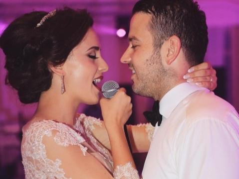 ''Every time we touch'' phiên bản cô dâu xinh như công chúa