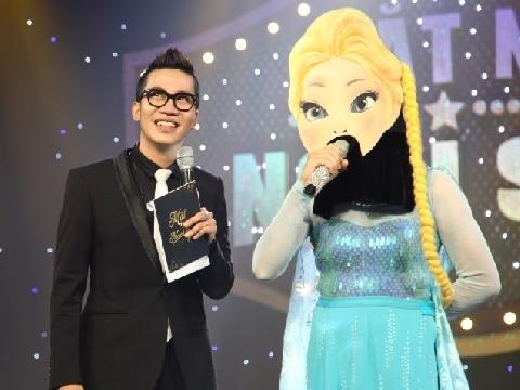 Chưa từng có ''nàng Elsa'' nào lại có giọng hát nam tính thế này!