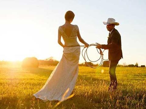 Vì sao ta cưới nhau?