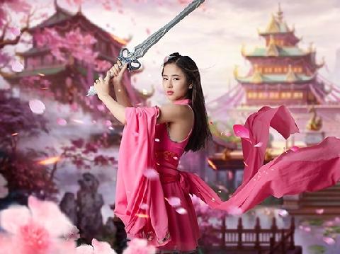 Hot girl Nam Thương khoe ngực đầy khi hóa thân mỹ nhân cổ trang bên chồng