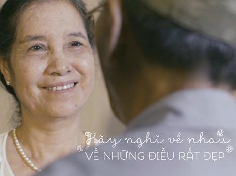 Tình yêu vượt thời gian gây xúc động mạnh trong MV ''Thời thanh xuân sẽ qua''