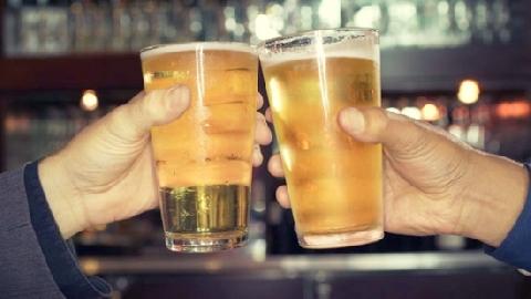Tái mặt 'công nghệ' làm bia giả ở Trung Quốc