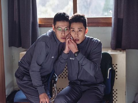 Kang Ha-neul và Park Seo-joon vật vã trong 'Cảnh Sát Tập Sự'