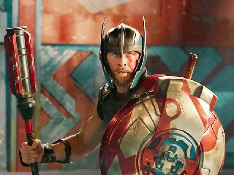 Top 10 chi tiết thú vị trong trailer 'Thor: Ragnarok'