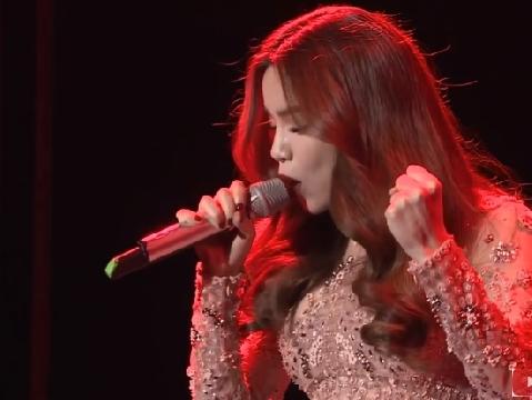Hồ Ngọc Hà phiêu hết mình khi tặng fans ca khúc hit Bang Bang