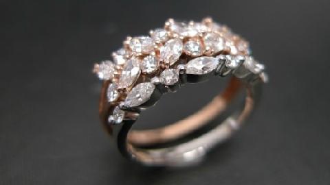 Rơi nhẫn gần 3.500 USD xuống hồ khi cầu hôn