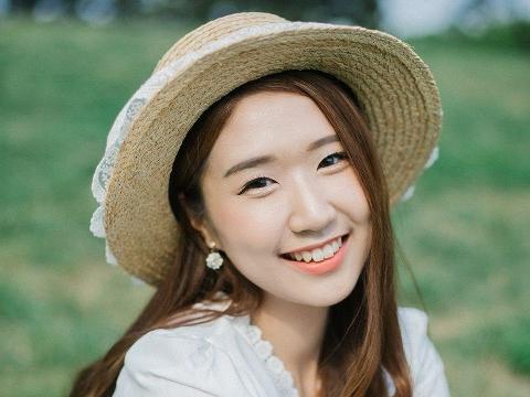 Hot girl Hàn Quốc Jin Ju xinh ''gây mê'' khi cover hit ''Người ta nói''