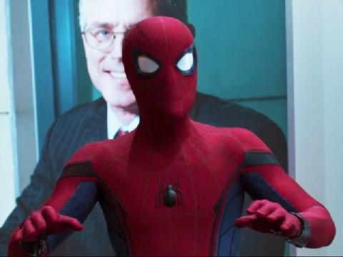 Thưởng thức màn đối đầu giữa Spider Man và 'biệt đội Avengers'
