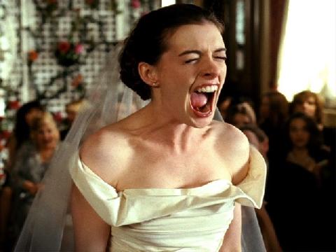 Cô dâu nổi điên vì bị công bố video thác loạn vào ngày cưới