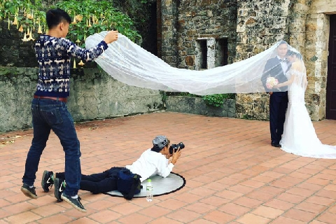 Sự thật đằng sau những tấm ảnh cưới lung linh