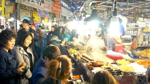 Khám phá khu chợ lâu đời nhất Hàn Quốc