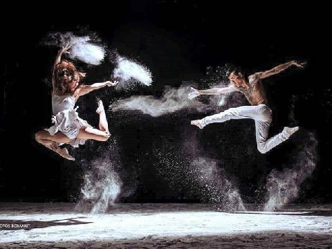 """Thế giới gọi tên điệu nhảy này là """"chất"""""""