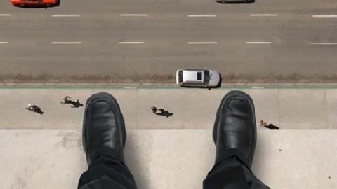 Trộm nhảy từ tầng 2 xuống đất, ôm chân gãy lủng lẳng tẩu thoát