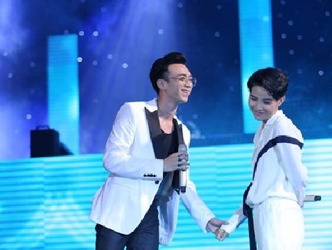 Vũ Cát Tường cùng Soobin Hoàng Sơn song ca ''Yêu xa'' tình tứ