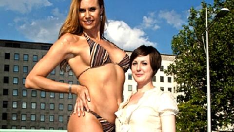 10 cô gái cao nhất thế giới có nét quyến rũ lạ lùng