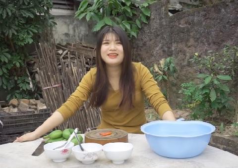 Ăn chuối chấm mẻ... thử thách rợn người nhất
