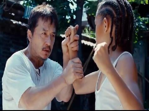 Clip: 'Thầy giáo' Thành Long dạy võ cho học trò