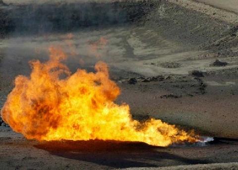 Kỳ lạ giếng nước bốc cháy, dập mãi không tắt