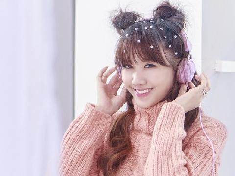 Hari Won tung MV chào đón giáng sinh cực dễ thương